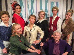 Link zu der Veranstaltung Die Tribüne: Die acht Frauen